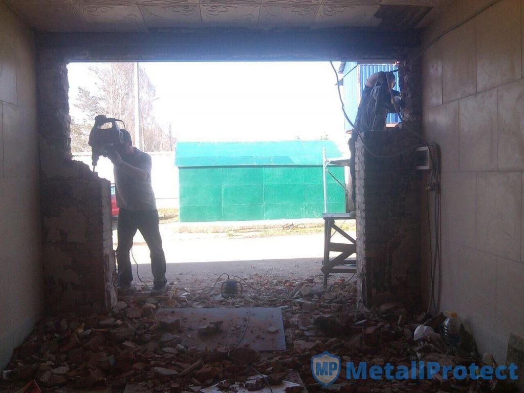 Увеличение ширины проёма гаражных ворот