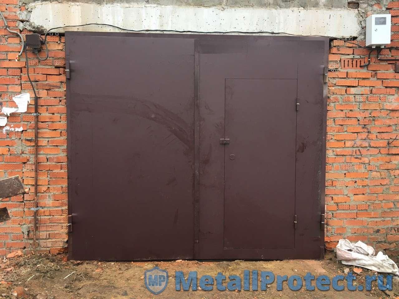 Купить коричневые ворота с правой калиткой