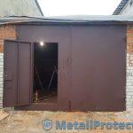 Ворота гаражные с калиткой Metall Protect, цена от 14400 руб